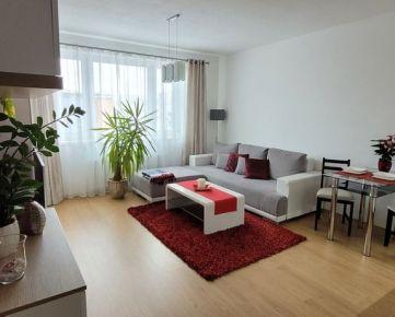 BA II. Na predaj zariadený 2 izbový byt s garážou na Kazanskej ulici
