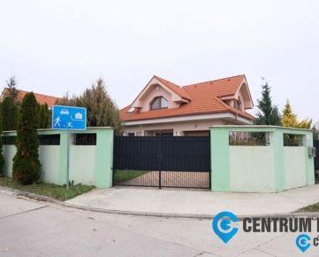 Vzdušný 5-i RD so vstavanou garážou, podpivničením, zimnou terasou a čarovnou záhradou, Dunajská Lužná