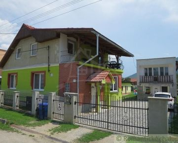 Dva veľké domy na bývanie v obci Brzotín. Znížená cena.