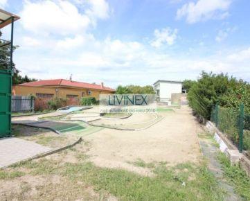 Ponúkame na predaj stavebný pozemok vo Vrakuni