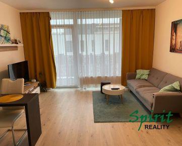 Ponúkame na prenájom krásne zariadený 2 izb. byt v novostavbe s parkovacím státim