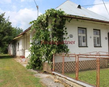 Na predaj starší rodinný dom v obci Rokytov pri Humennom (007-12-NIH)