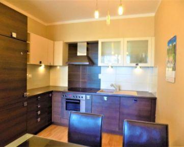 Veľký 2-izbový byt s logiou a parkovacím miestom, novostavba, ulica Obrody, Košice - Západ