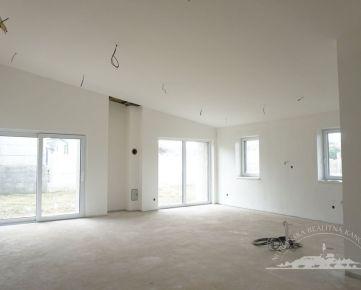 Predaj -  4 izbový rodinný dom - Nitra, Šúdol