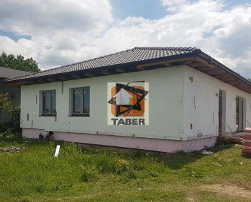 Na predaj novostavba 5 - izbového rodinného domu v starej časti Bernolákova