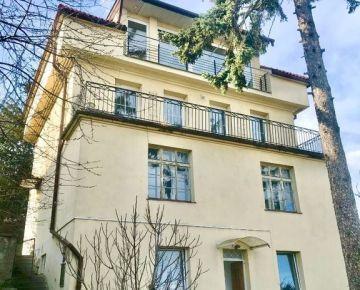 Predaj 9 izbovej mestskej vily na Hradnom kopci s panoramatickým výhľadom na Bratislavu