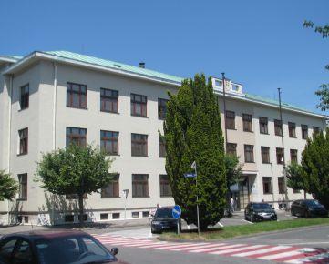 Predáme súbor objektov a pozemkov SPŠ elektrotechnickej na Námestí SNP v Piešťanoch