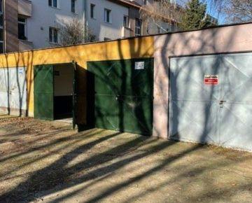 Prenájom samostatnej garáže na Pavlovovej ulici v lokalite 500 bytov v Bratislave – Ružinove