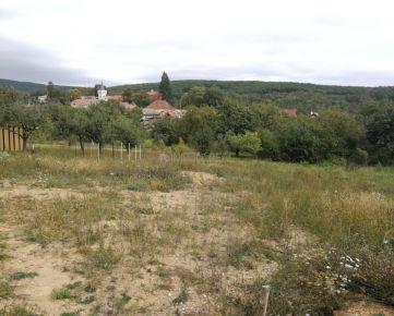 Predaj 1080 m2 stavebný pozemok Košice-okolie, Šemša
