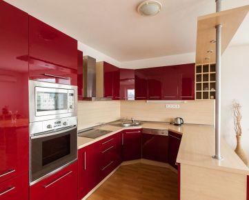 StarBrokers - LEN U NÁS! 3-i byt v novostavbe (150 m2), s veľkou terasou s výhľadom, logia + 2 garážové státia