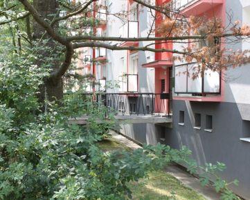 GARÁŽ v bytovom dome KRAMÁRE - Stromová ul.