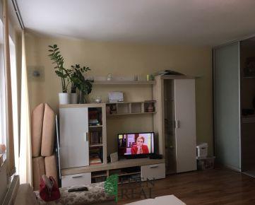 REZERVOVANÝ - Pekný zariadený 1-izbový byt s balkónom