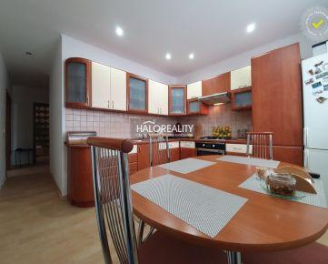 HALO REALITY - Predaj, trojizbový byt Lučenec, Centrum - ul. Adyho, po čiastočnej rekonštrukcii