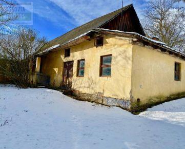 Starý rodinný dom s krásnym pozemkom , predaj, Buclovany, 2. 686 m2