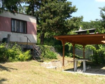 Na predaj pozemok 3310 m² v Rači pod lesom.