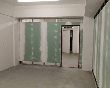 Prenájom : Skladový priestor suterén na Bulvári v Žiline