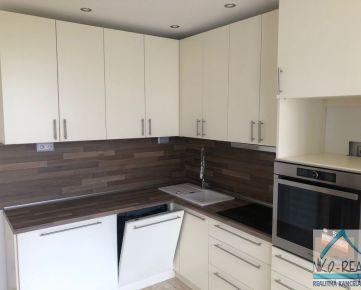 Nová kompletná rekonštrukcia: Predaj 3-izbového bytu (prerobený zo 4-izbového), ul. Rajecká, BA II - Vrakuňa