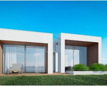 Direct Real - Exkluzívny, moderný 4-izbový rodinný dom v Hrubej Borši v Green Residence priamo na golfovom ihrisku