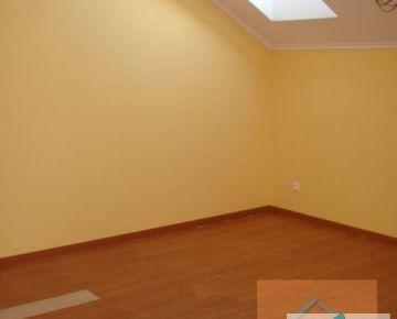 Kancelárske priestory v novostavbe rodinného domu na Záborského ulici