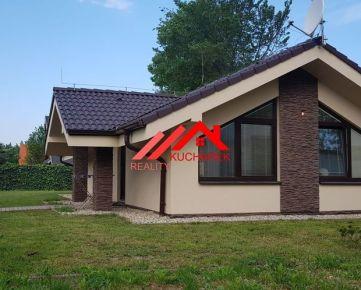 Kuchárek-real: Novostavba 3 izbového bungalovu pri lese.