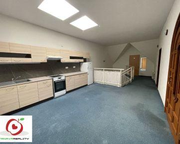 TRNAVA REALITY  - PRENÁJOM - priestranný 2 izbový apartmán v centre mesta TRNAVY