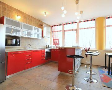 HERRYS - Na prenájom zariadený nadštandardný 2 izbový byt  na Okánikovej ulici v Starom Meste