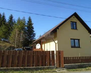 Ponúkame Vám na predaj zrekonštruovanú chalupu v obci Podkriváň.
