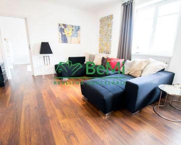 3D OBHLIADKA! Ponúkame exkluzívne na predaj 4-izbový luxusný byt pri parku v centre mesta (100-114-TN)