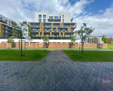 Predaj - 1-izbový byt v novostavbe (Slnečnice) s parkovaním a terasou