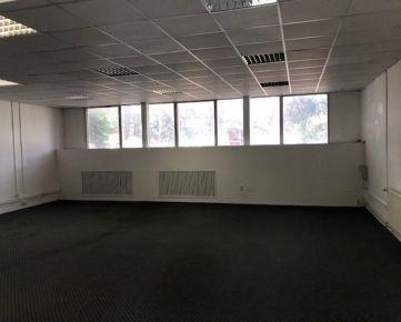 Prenájom viacúčelové miestnosti/ sklady 80m2 a 92,6m2, ul. Polianky, BA IV., Dúbravka.