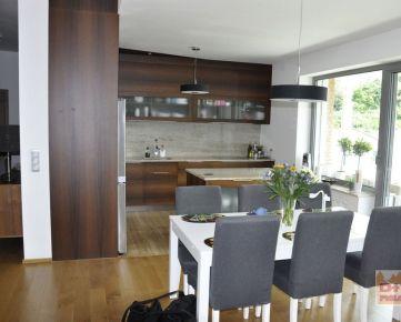 D+V real ponúka na prenájom: 5 izbový byt, Kráľovské údolie, čiastočne zariadený, 2 parkovacie státie, klimatizácia