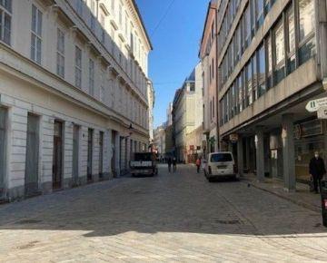PRENÁJOM - lukratívny obchodný priestor 78m2, Laurinská ul. Staré Mesto