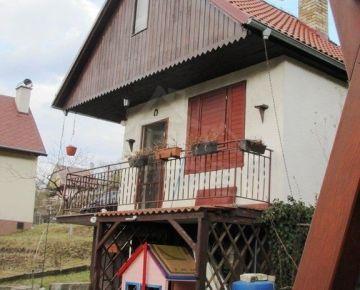 Zrekonštruovaná záhradná chata v Sološnici na predaj