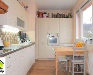 Veľmi pekne zrekonštruovaný 3-izb. byt s krásnym výhľadom!