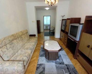Na predaj tehlový 1i byt v pôvodnom stave na  ul. Beckovská v Trenčíne