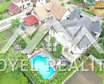Veľký luxusný rodinný dom na predaj v Sládkovičove.
