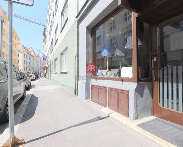 HERRYS – na prenájom obchodný priestor v historickom centre na Grösslingovej ulici pripravený na okamžitý prenájom