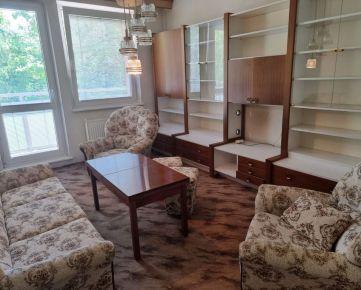 Na predaj  2izb.byt s balkónom v pôvodnom stave v tesnej blízkosti centra .