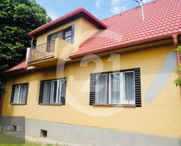 Prenájom dom Nitra na lukratívnom mieste na Dolnozoborskej ulici s parkovaním