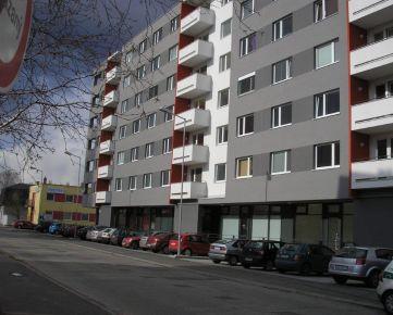 PRENÁJOM - kancelárie na prízemí so samostatným vchodom z ulice, 66 m2, BA II, Ružinov, Vietnamská ul. novostavba, parking, neďaleko IKEA a AVION