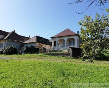 SKVELÁ PONUKA !! Chalupa/dom s originálnou architektúrou v pokojnej dedinke pri Krtíši
