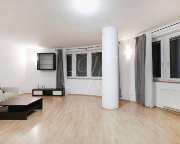 Priestranný 5-izbový byt v Bratislave na prenájom, garáž
