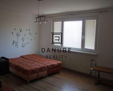Predaj 3-izbový byt po kompletnej rekonštrukcii v Bratislave-Petržalke na Hrobákovej ulici.