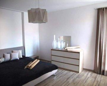 EXKLUZÍVNE – NA PREDAJ PRIESTRANNÝ 2 izbový byt v ZV