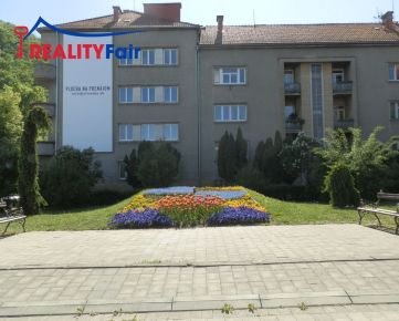 PREDAJ - 4 izbový byt - centrum Banská Bystrica