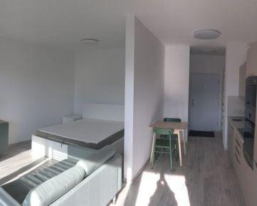 Novostavbe -  1,5 izbový byt s veľkou lodžiou