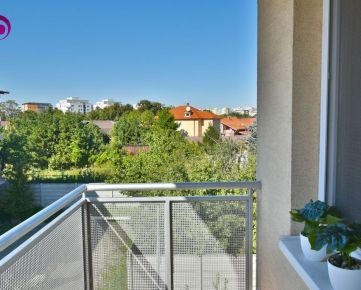 2i byt, 37 m2 – BA-Hlbinná: 12-ročná novostavba, tehla, loggia, pokojná lokalita
