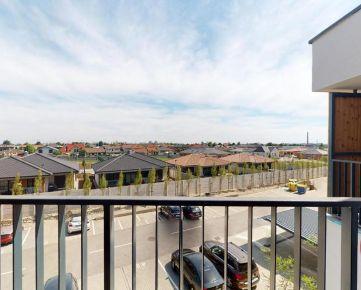 3D PREHLIADKA CELÉHO BYTU - Veľký 1-izbový byt v rezidencii Kopánka s krásnym výhľadom na mesto