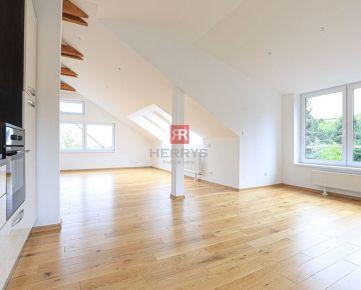 HERRYS - Na prenájom priestranný 3 izbový mezonet s krásnym výhľadom v Starom Meste