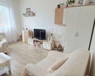 Prenájom krásneho, slnečného 2i bytu s loggiou v BB, 48,94 m2. CENA: 450,00 EUR/mesiac